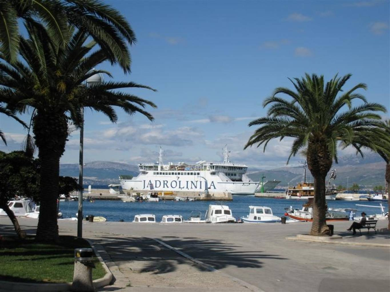 The Jadrolinija car ferry arrives in Supetar, about 100m from the bus stop to Bol